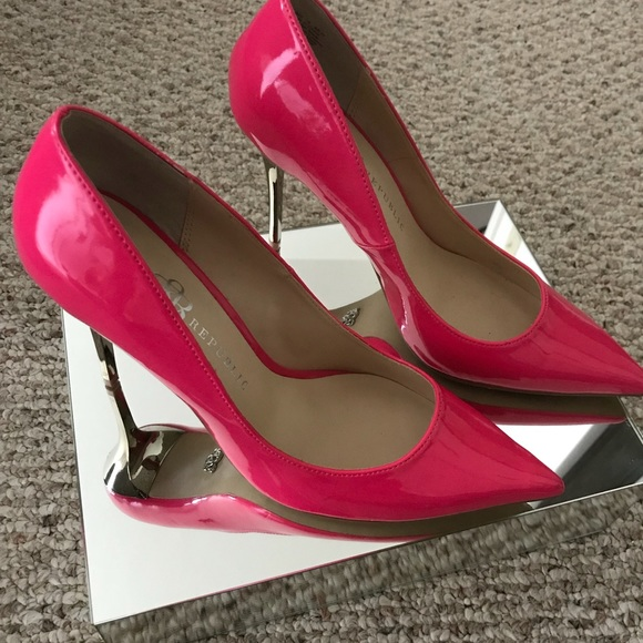 d956d297191 Rock & Republic Hot Pink Pumps